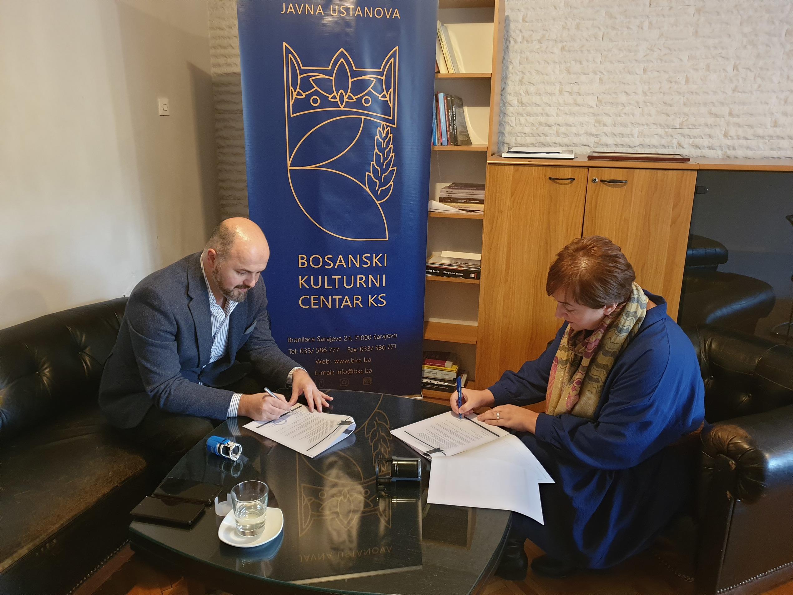 """Potpisan Protokol o saradnji između JU """"Bosanski kulturni centar KS"""" i Udruženja """"Mali ambasadori"""""""