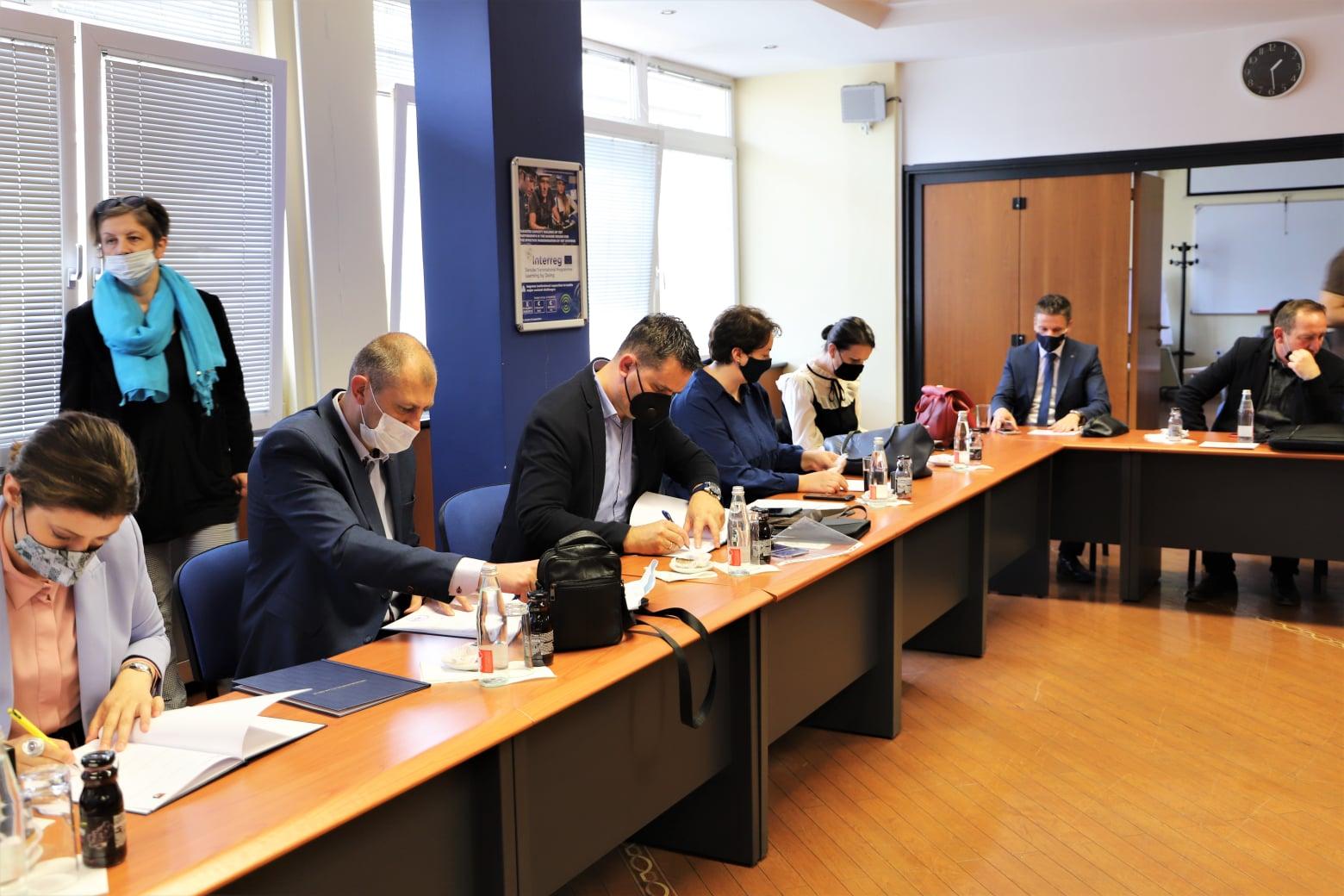 """Potpisan memorandum o saradnji u okviru projekta """"Uspostavljanje mreže vladinih i nevladinih aktera u oblasti obrazovanja odraslih u Kantonu Sarajevo"""""""